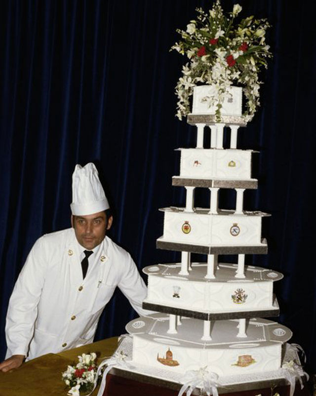 Easy-Weddings-Princess-Diana-Wedding-Cake-2