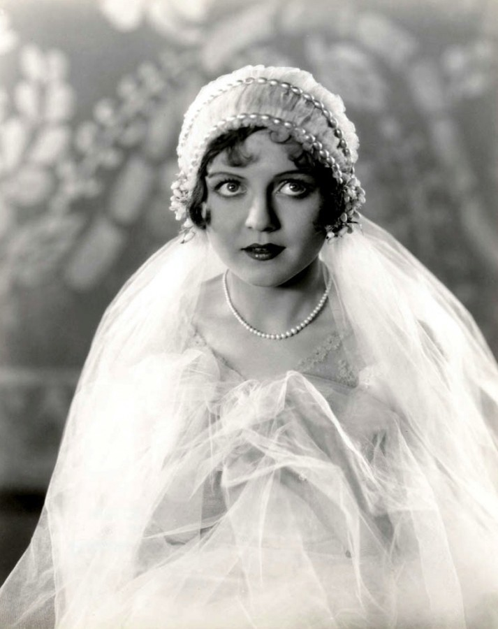 1920s wedding dress and veil