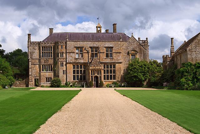 12 Castle Wedding Venues - Brympton House - Geography.org
