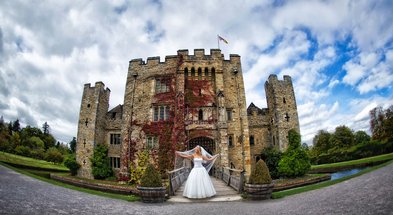 12 spectacular uk castles and palaces you can get married in 12 castle wedding venues hever castle bristol photography solutioingenieria Gallery