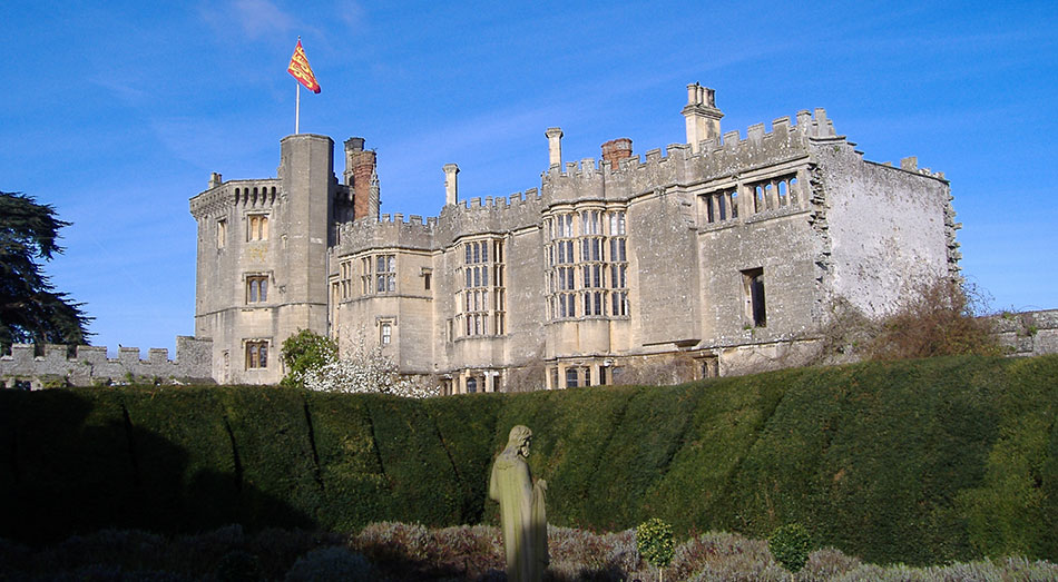 12 Spectacular Uk Castles And Palaces You Can Get Married