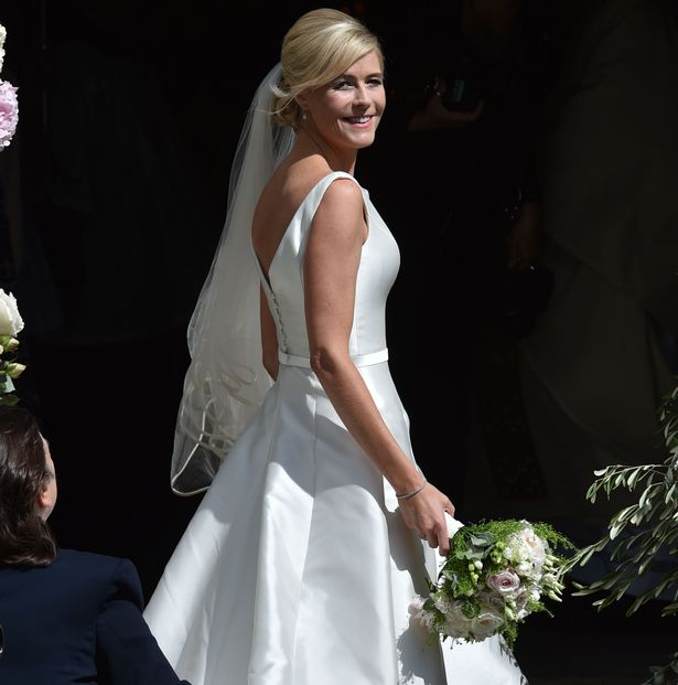 Bride Ali Astall arrives at her wedding to Declan Donnelly. Image: Mirror