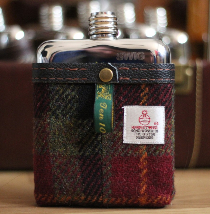 Tweed flask. Image: Swig Flask