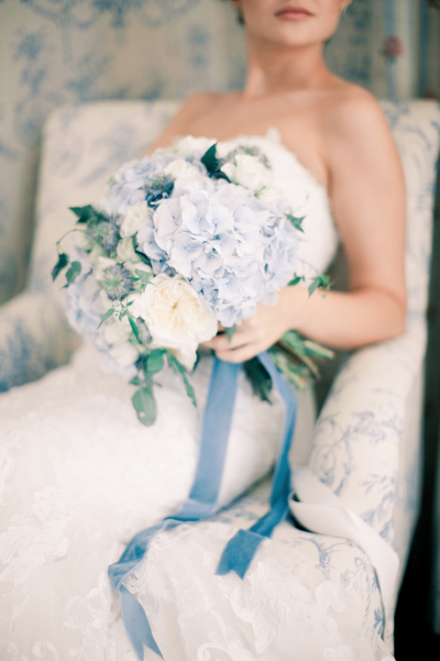 blue bouquet and ribbon
