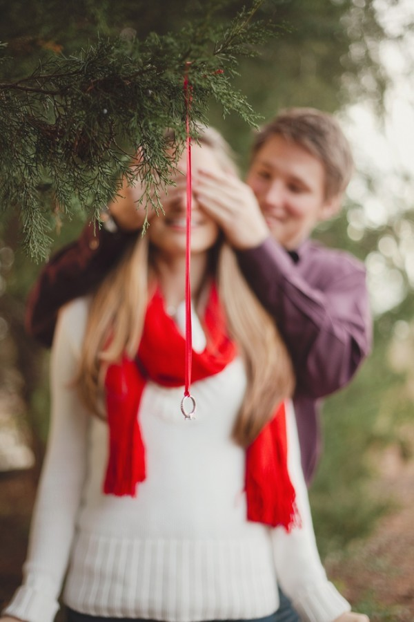 Easy-Weddings-Christmas-engagements 8