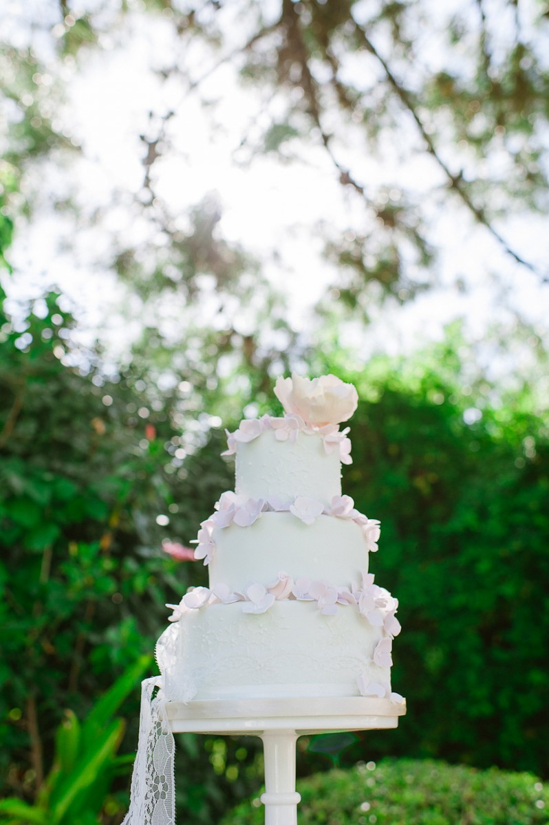 Ami_Gary_Vintage-Garden-Wedding_049