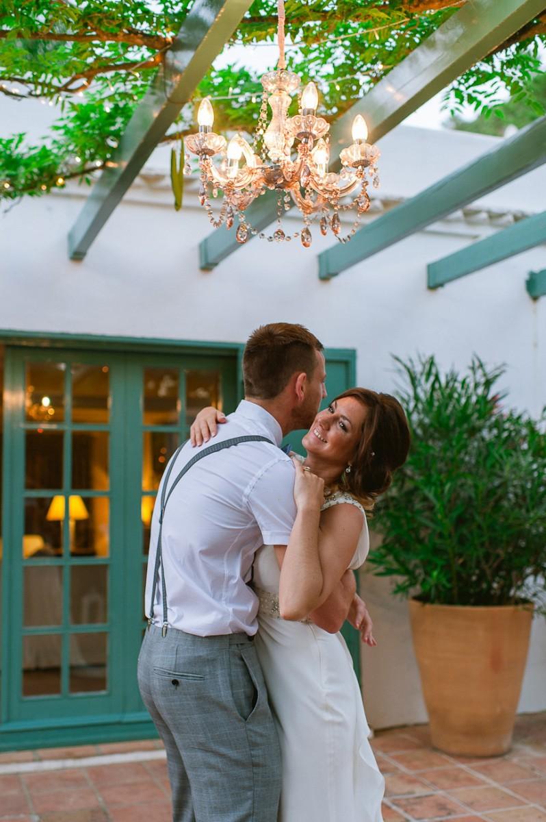 Ami_Gary_Vintage-Garden-Wedding_054