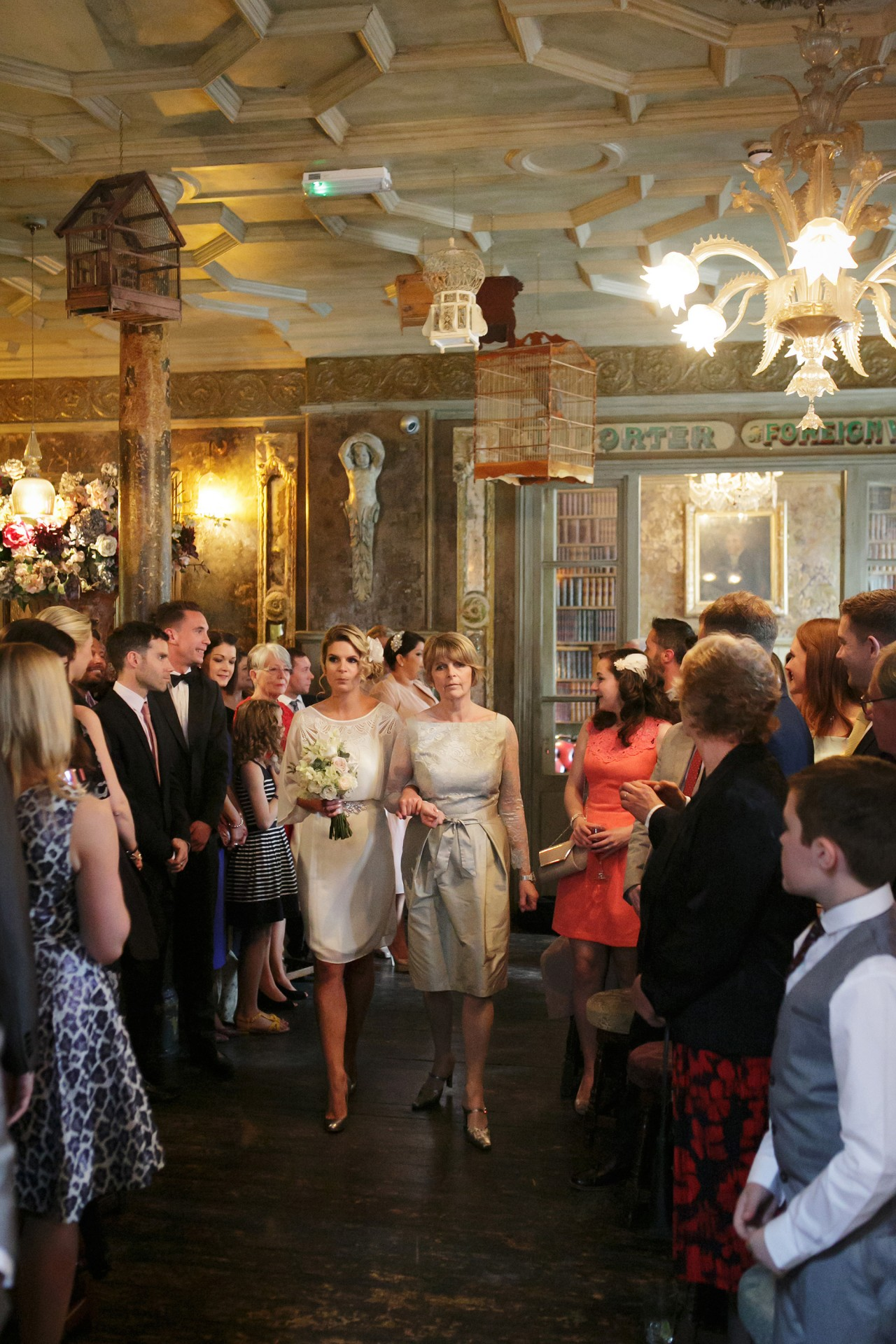 Cathy_Toby_Vintage-Pub-Wedding_016