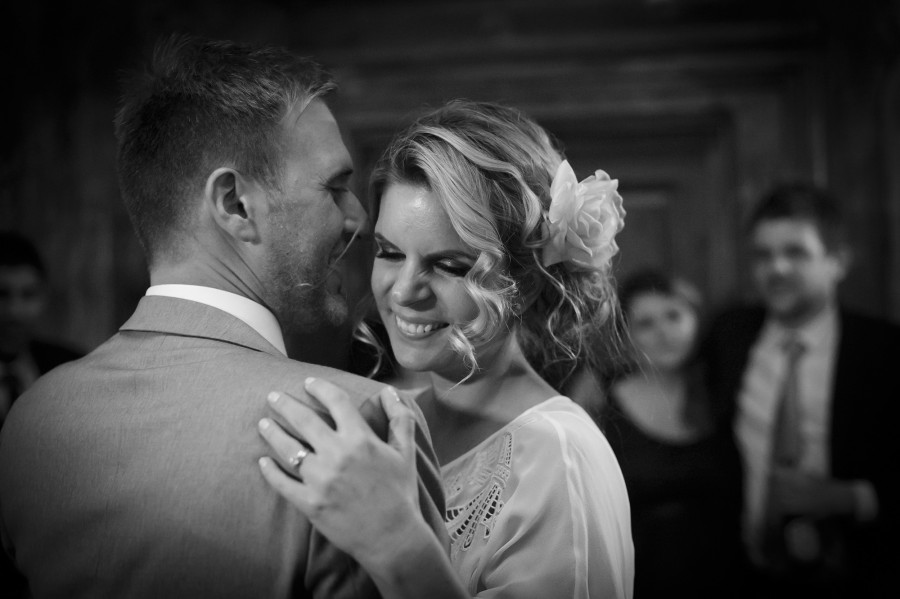 Cathy_Toby_Vintage-Pub-Wedding_041