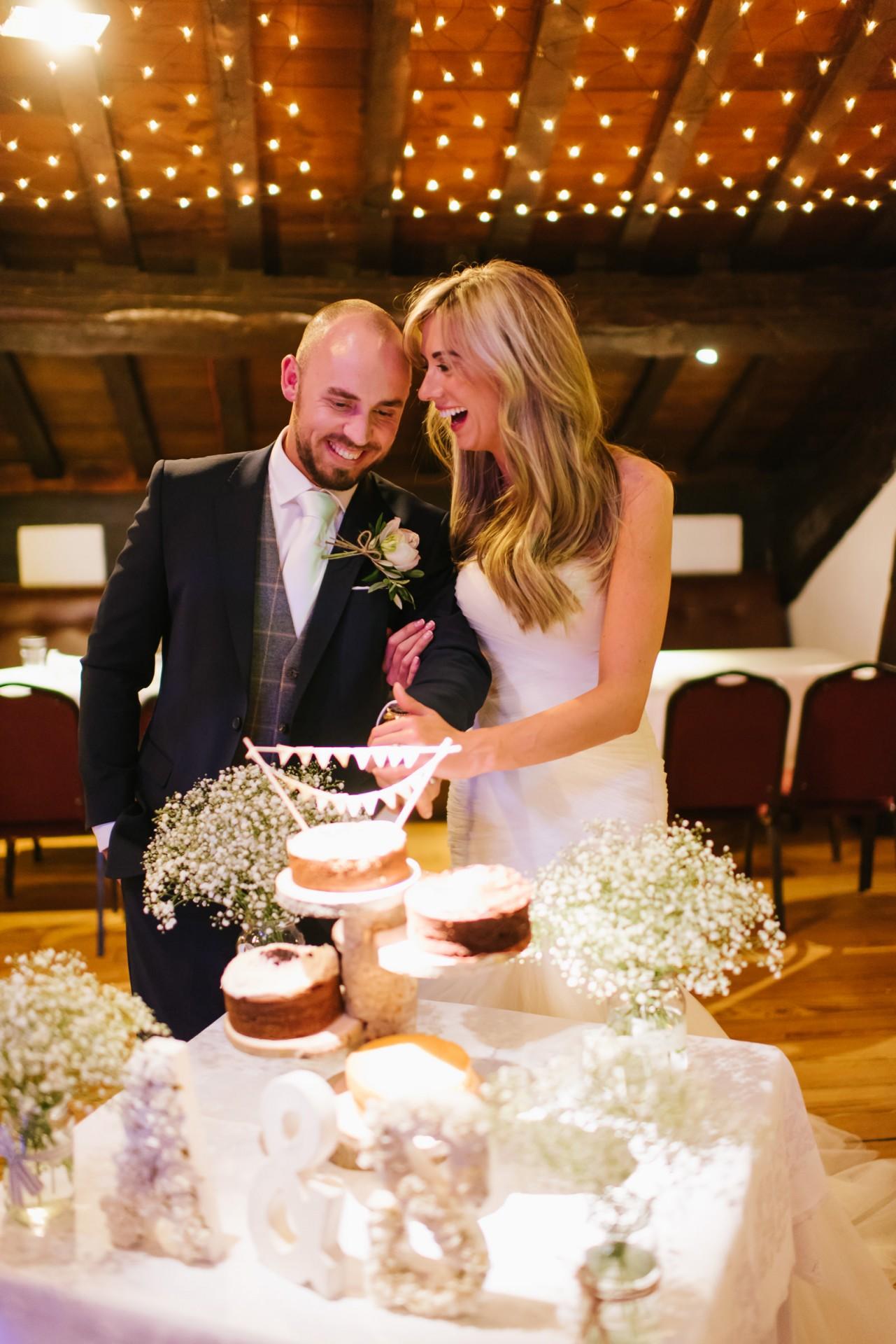 Amy_Sam_Modern-Rustic-Wedding_043