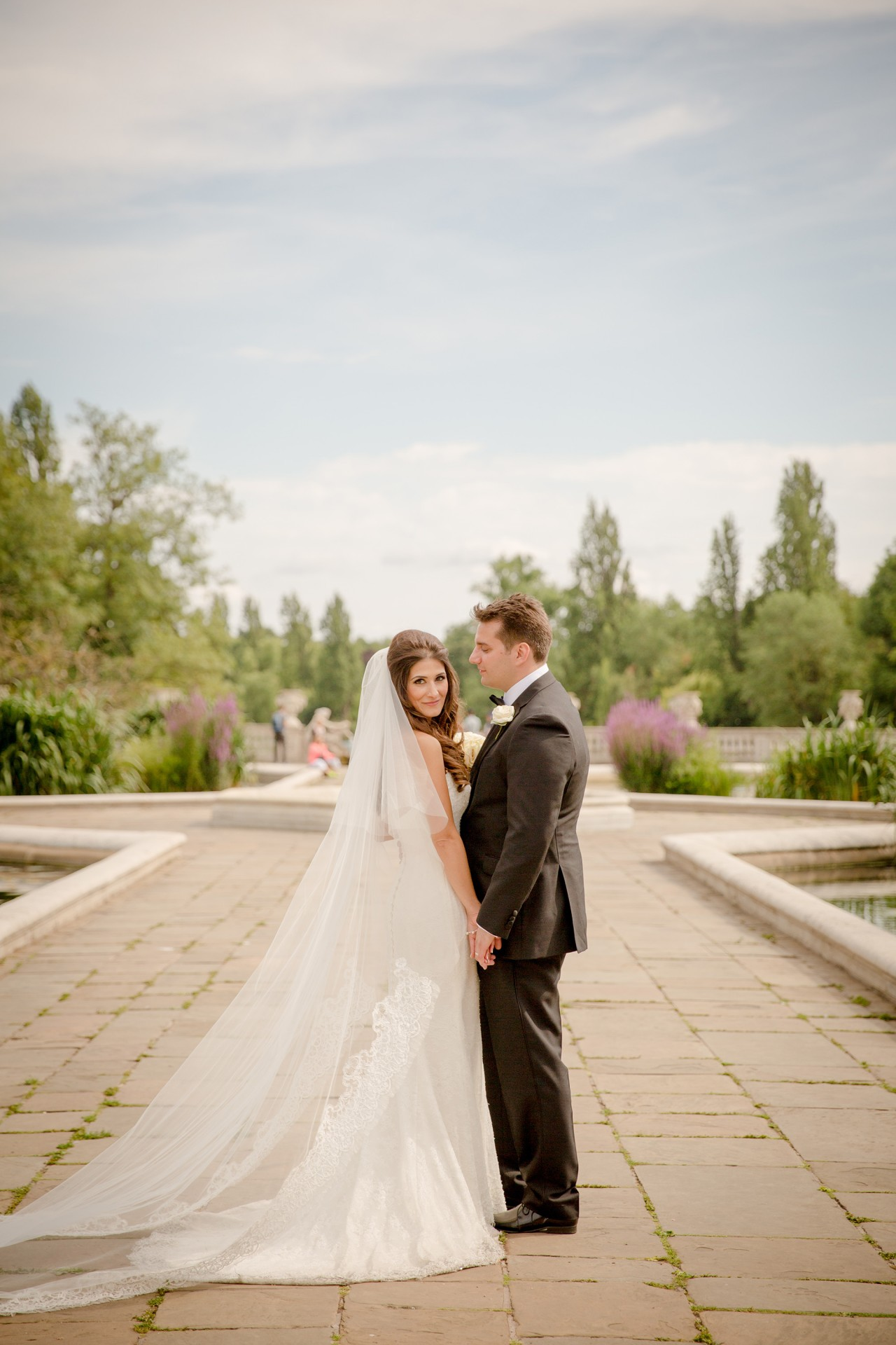 Christina and James incorporate Greek tradition at chic London ...