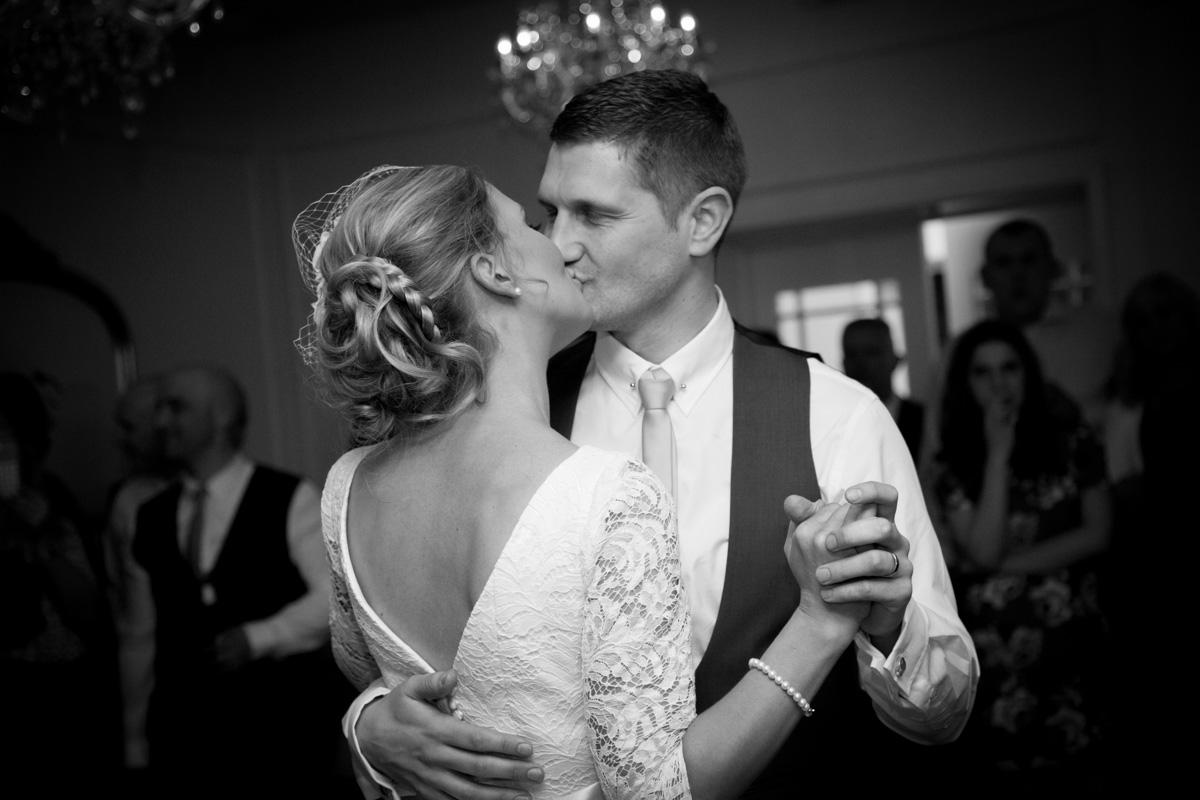 Sarah_Paul_Vintage-Wedding_033