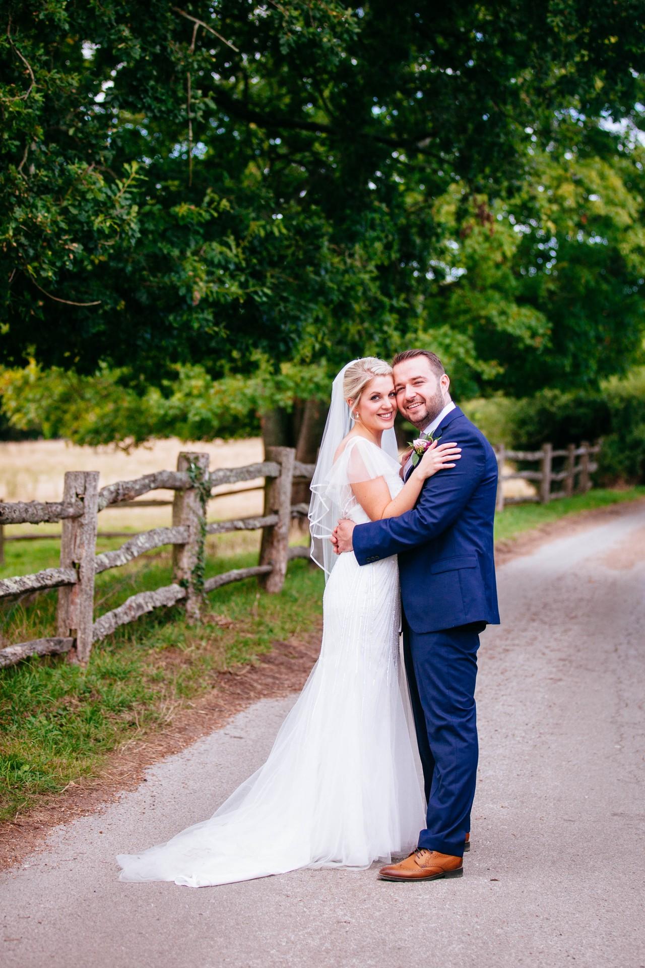 Amy_James_Vintage-Wedding_017
