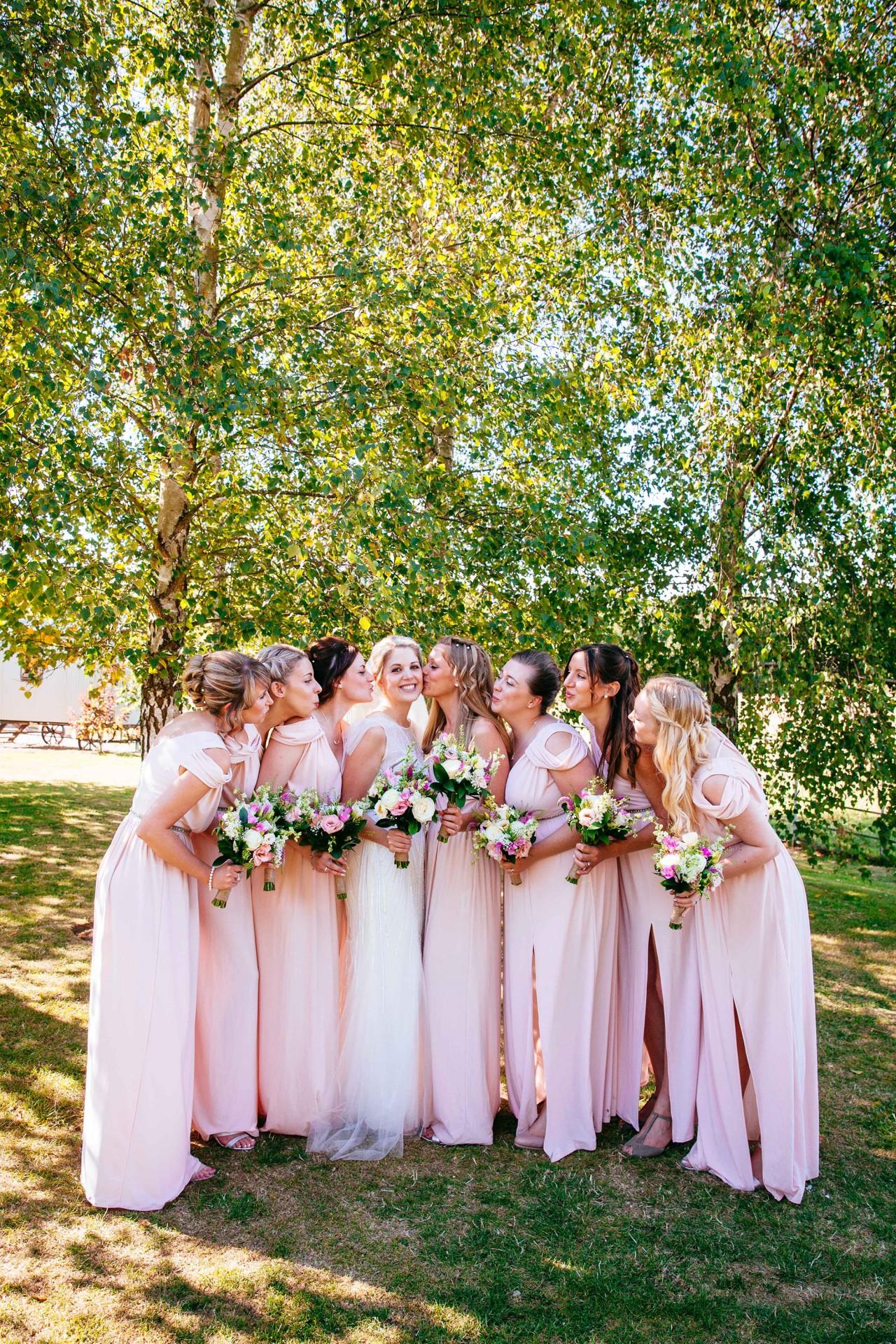 Amy_James_Vintage-Wedding_025