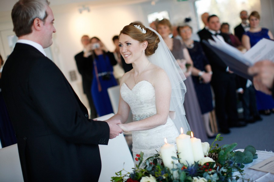 Helen_Jason_Christmas-Wedding_023