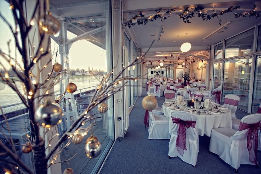 Helen_Jason_Christmas-Wedding_038