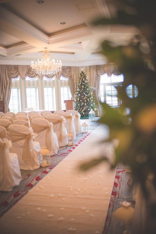 Jamine-James_Caroline-Smyth-Photography_Christmas-Wedding_005