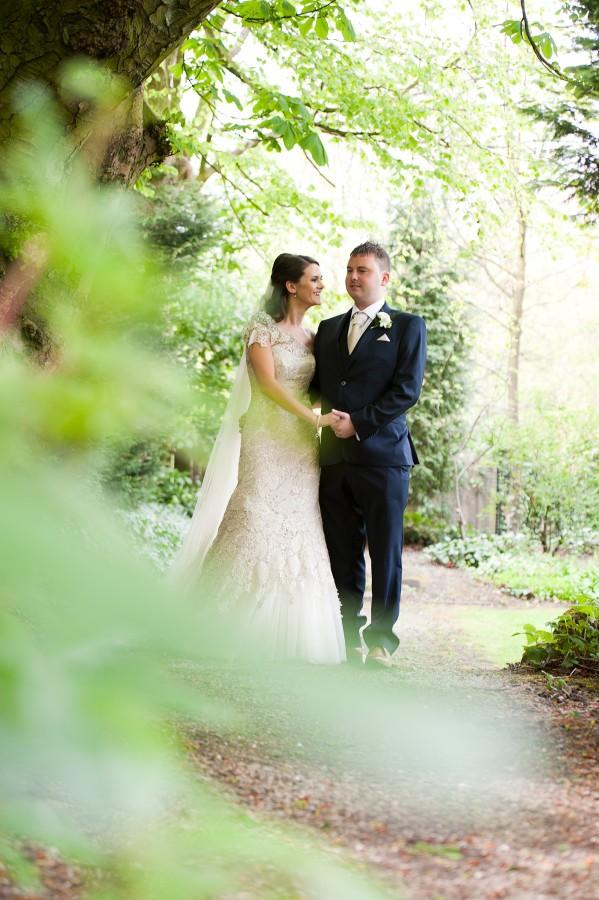 Lara_Oliver_Reebok-Stadium-Wedding_029