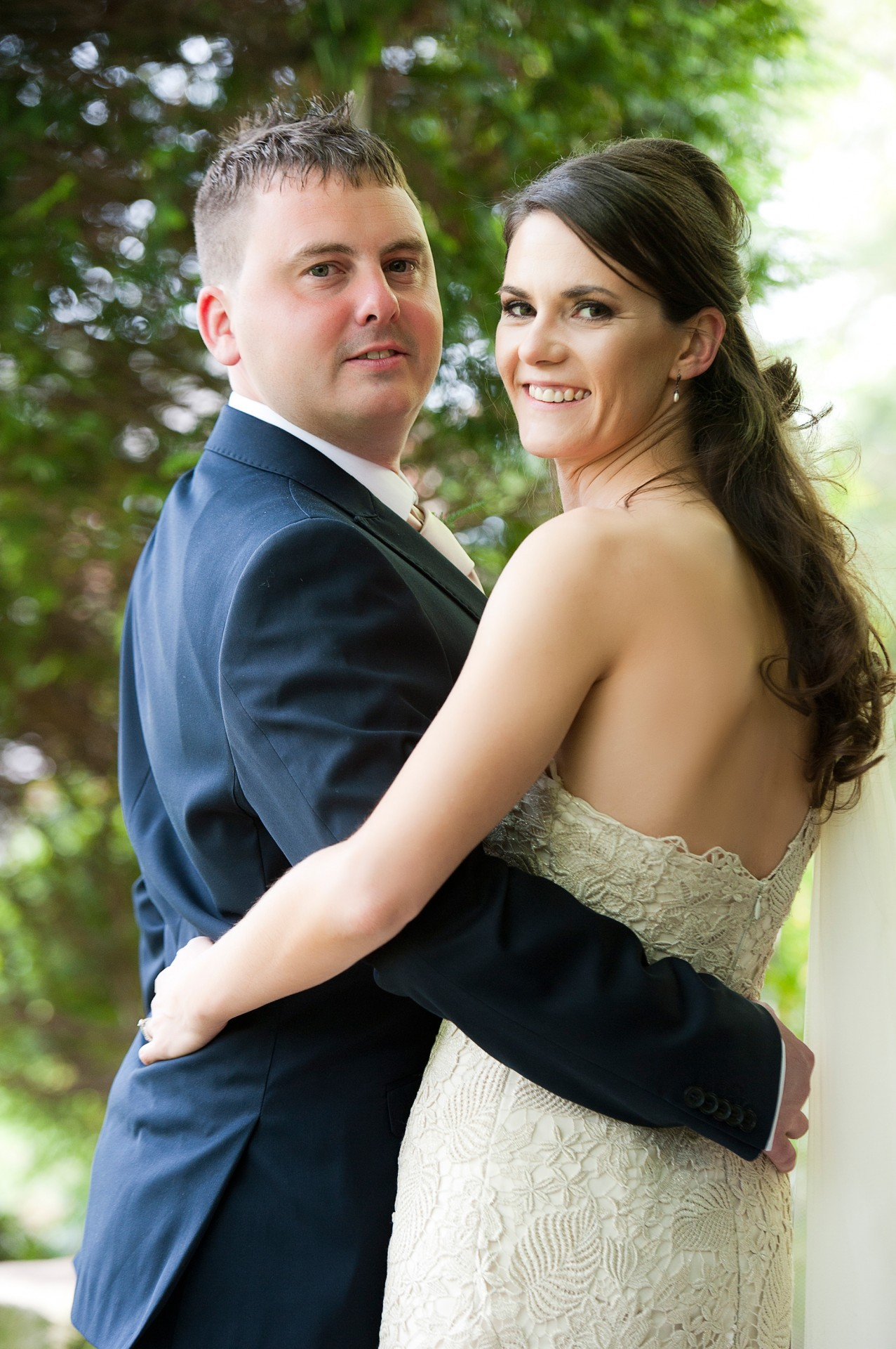 Lara_Oliver_Reebok-Stadium-Wedding_031
