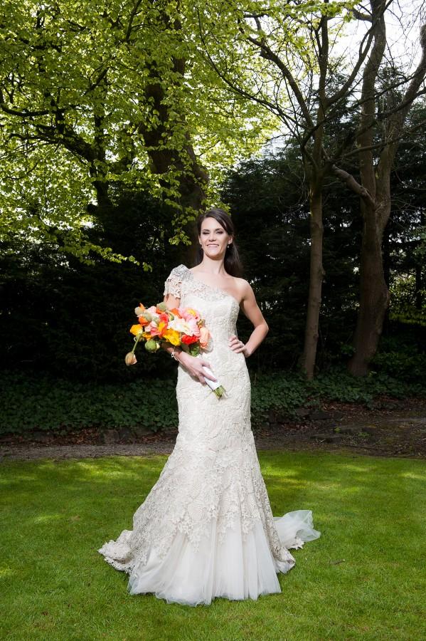 Lara_Oliver_Reebok-Stadium-Wedding_035