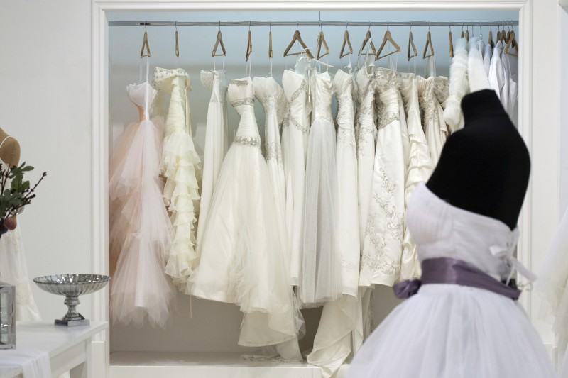 Things to look for in second hand wedding dresses | Easy Weddings UK